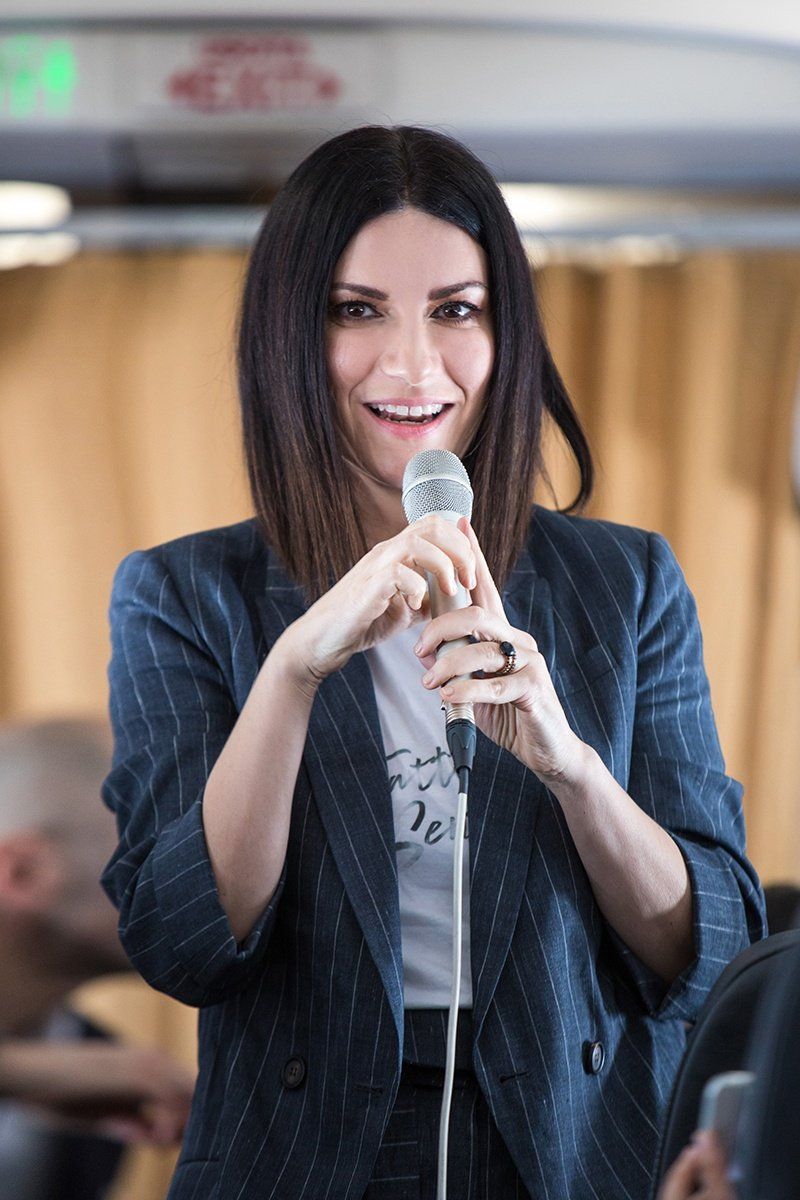 Laura Pausini Fatti Sentire Life&People Magazine lifeandpeople.it