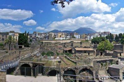 panoramica-degli-scavi-archeologici-ercolano
