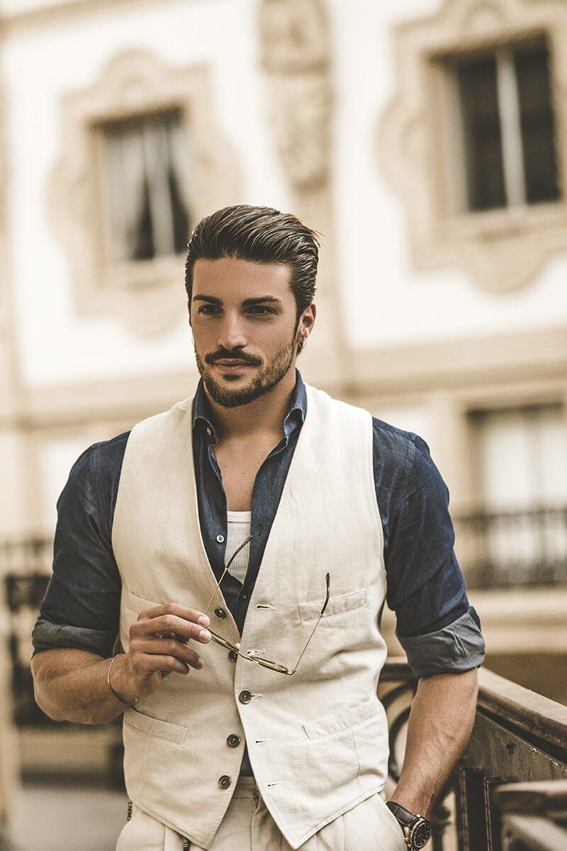 """Marco Di Vaio Lancia la sua nuova sfida; dopo il successo mondiale dell'e-commerce """"nohow"""",nasce il nuovo brand made in Italy Life&People Magazine lifeandpeople.it"""