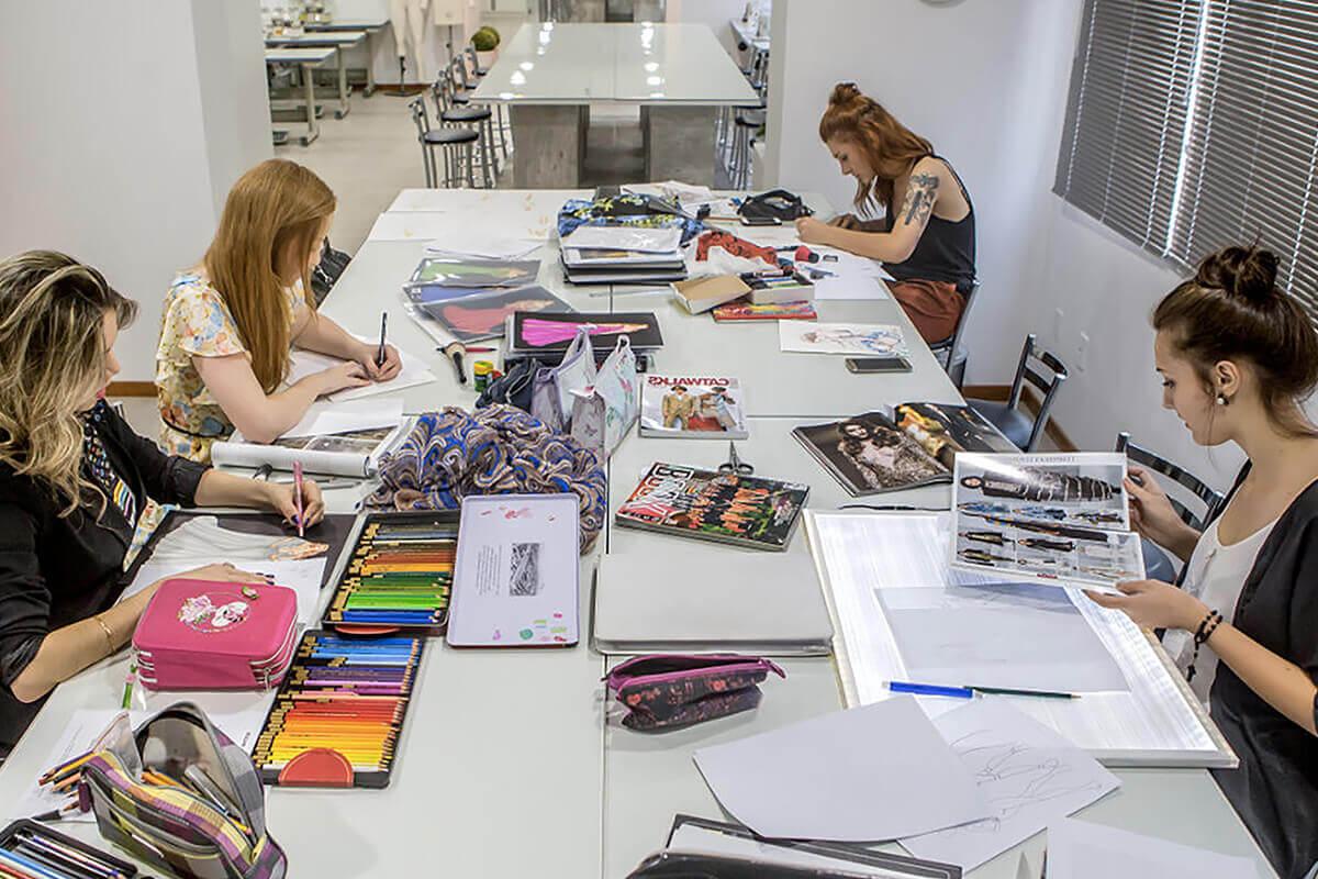 scuole-di-moda-sfilata-Life&People Magazine lifeandpeople.it