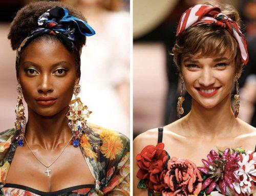 Piume, perle e pietre colorate tra i capelli: ecco gli hairstyle di tendenza per l'estate