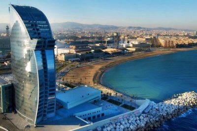 Barcellona, città cosmopolita dal cuore antico Life&People Magazine lifeandpeople.it