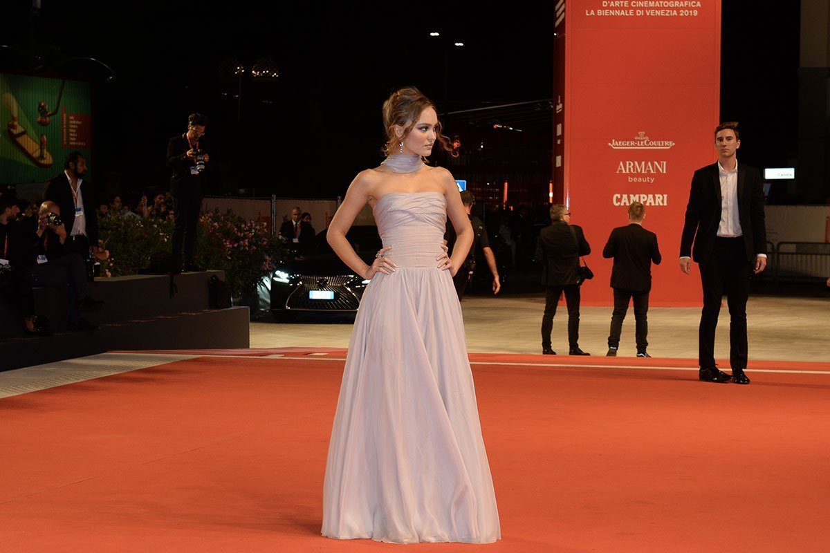 Mostra del Cinema di Venezia: i top look delle star sul red carpet Life&People Magazine lifeandpeople.it