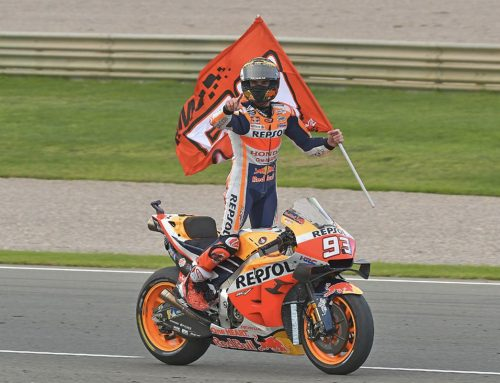 Moto Gp Valencia: Jorge Lorenzo saluta, Marc Marquez stravince