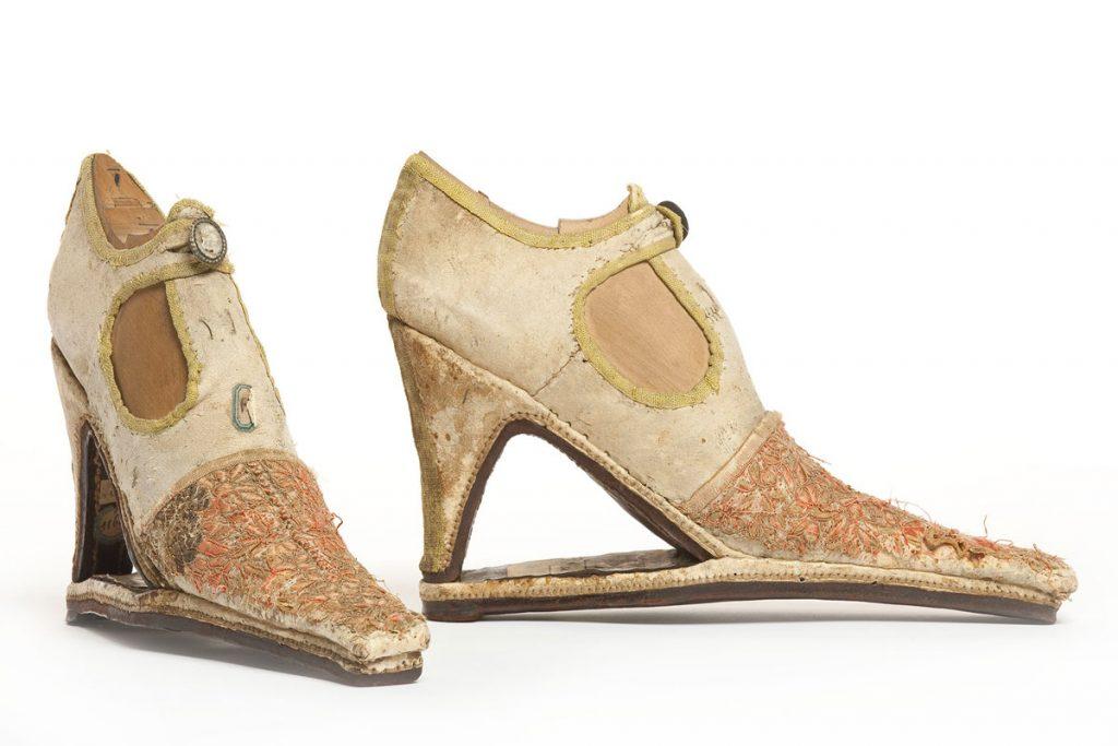 Storia della calzatura in mostra Life&People Magazine Lifeandpeople.it