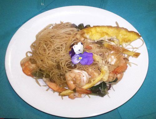 Cucina Thai: pesce, spezie, spaghetti di riso e manolesta