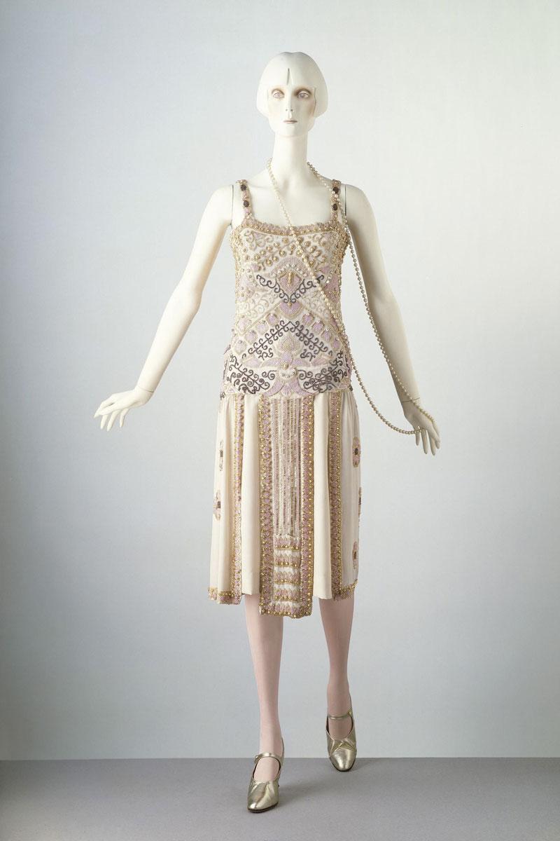 cambiamenti nelle tendenze della moda nel tempo.
