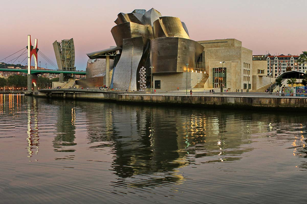 Museo Guggenheim di Bilbao - progetto di Frank Gehry Life&People Magazine lifeandpeople.it