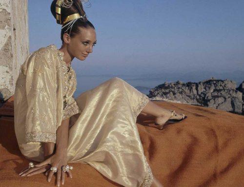 I caftani evocano struggenti oasi e ritmi sognanti di sitar