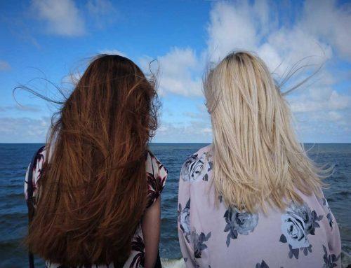 Come trattare i capelli chiari e i capelli scuri?