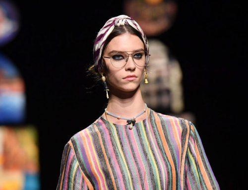 La fascia turbante di Dior: l'ultimo accessorio del desiderio
