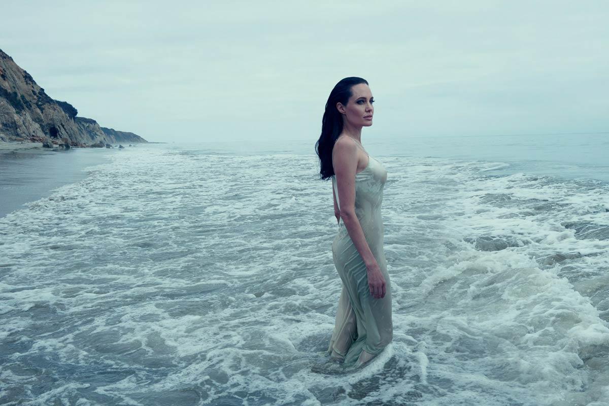 attrice famosa premio oscar 1999 Angelina Jolie Life&People Magazine LifeandPeople.it