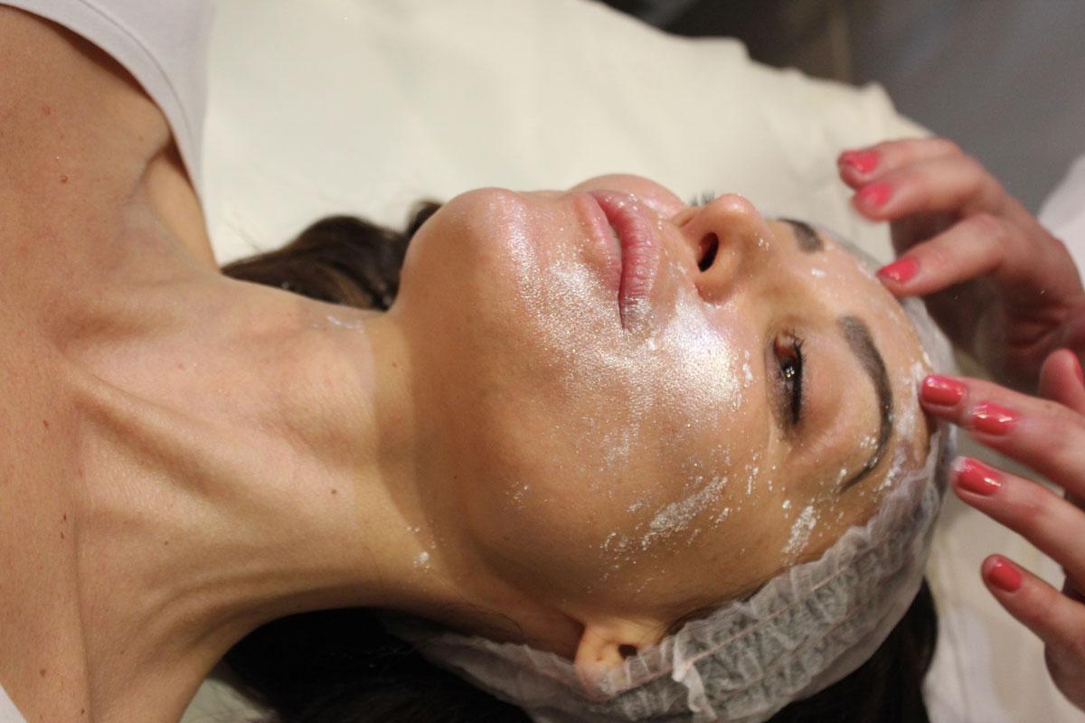 massaggio alla polvere di diamante Life&People Magazine LifeandPeople.it