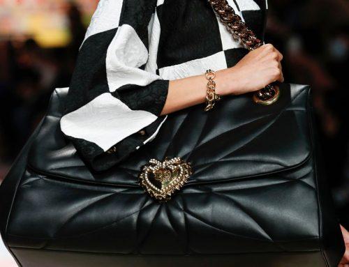 Gli accessori moda Dolce & Gabbana: stivali e borse patchwork