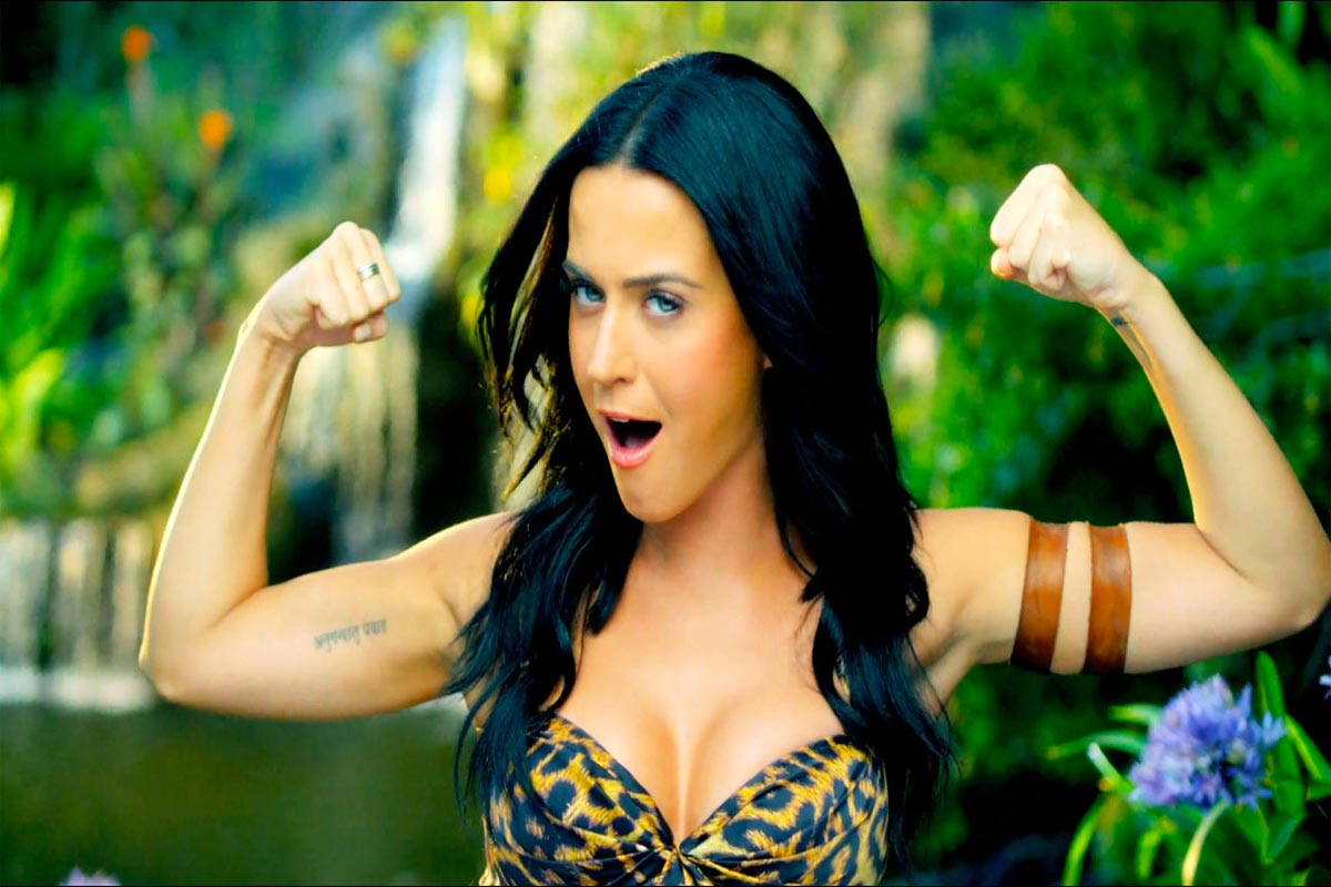 """Immagine del videoclip di """"Roar"""" Life&People Magazine LifeandPeople.it"""