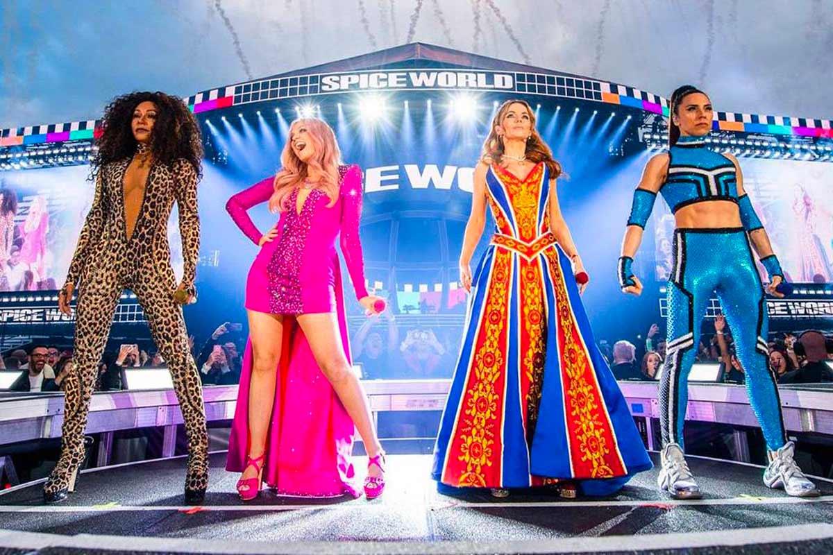 Melanie C con le Spice Girls allo Spiceworld tour 2019