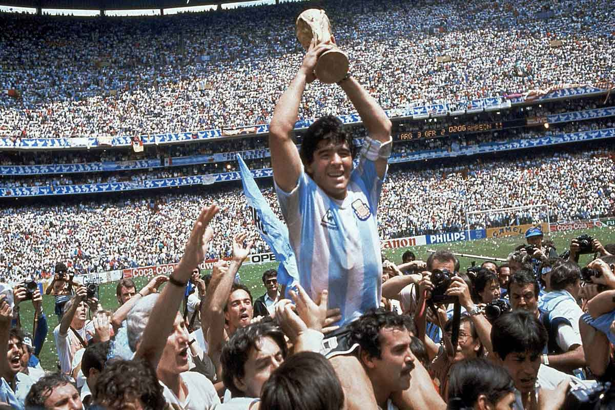 diego armando maradona addio campione Life&People Magazine LifeandPeople.it