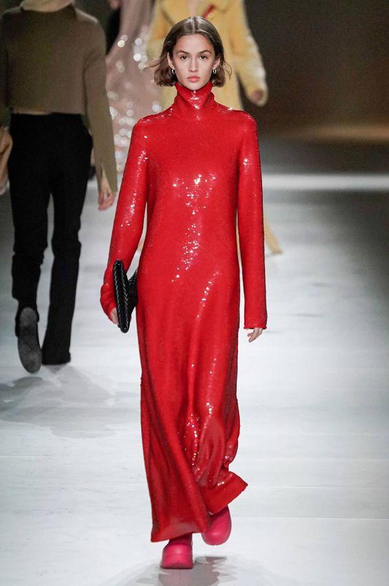 Rosso Pantone sfilata