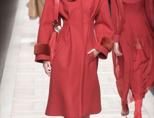 Cappotto rosso: il capo must dell'Inverno