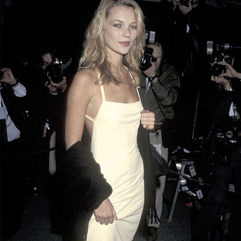 Kate Moss: musa ed emblema del dress-code anni Novanta Life&People Magazine LifeandPeople.it