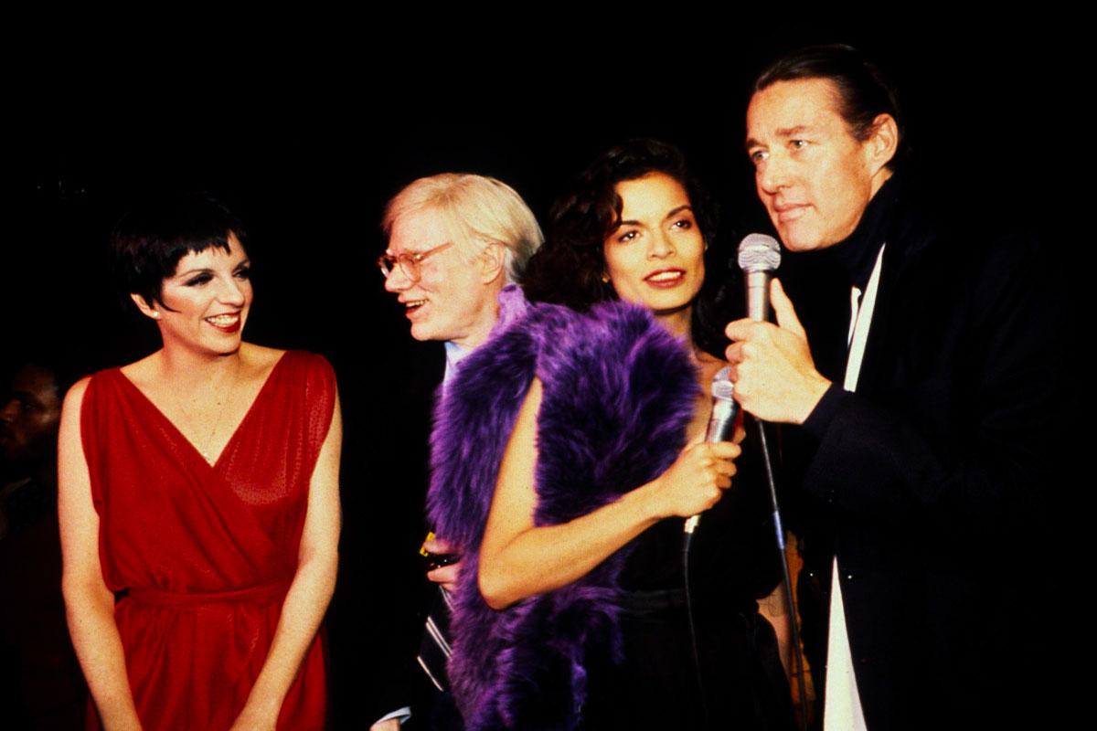 miniserie da vedere 2021: Halston, Andy Warhol, Liza Minelli e Bianca Jagger Life&People Magazine Lifeandpeople.it
