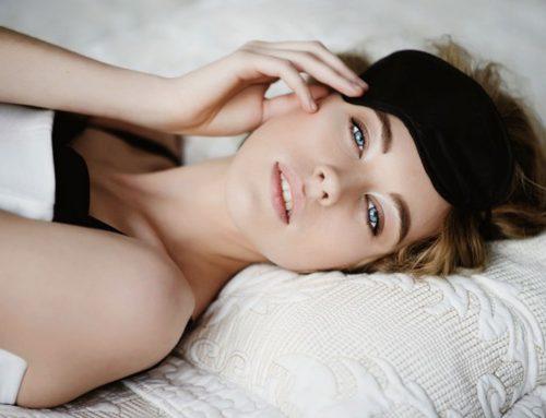 Posizione del sonno e rughe: perchè non bisogna dormire di lato?
