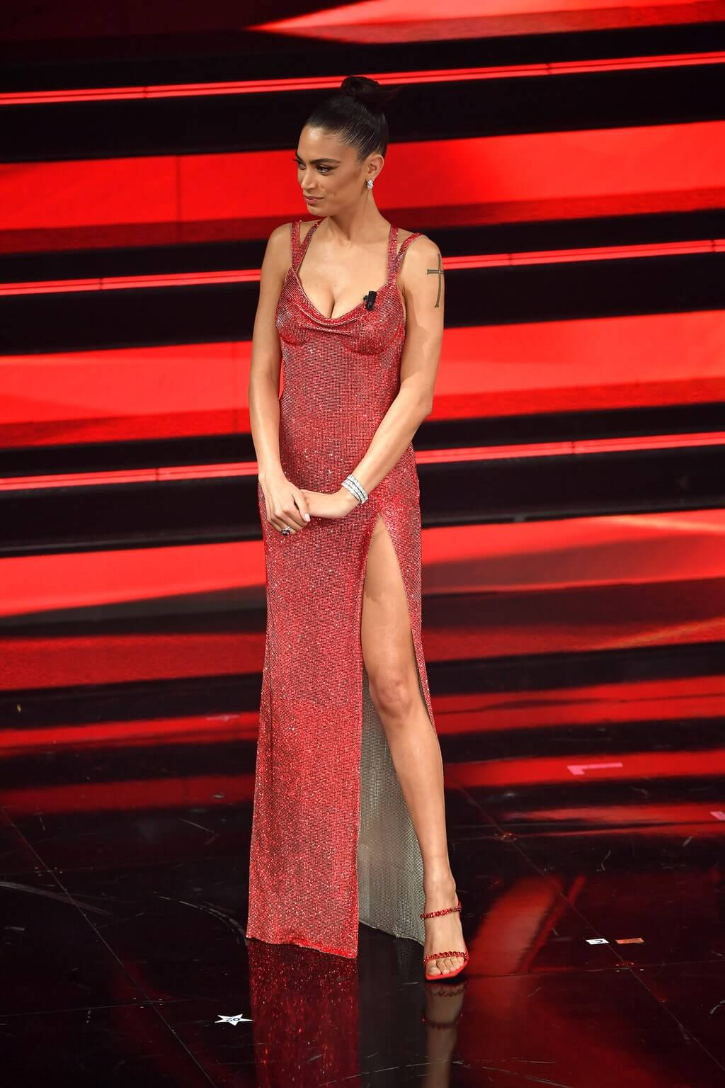 Sanremo 2021 look seconda serata Elodie Life&People Magazine LifeandPeople.it