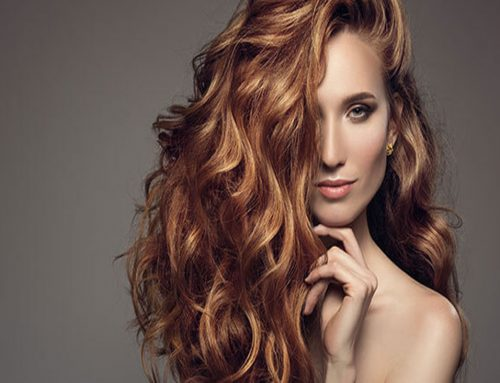 Capelli lucenti e voluminosi: come fare?