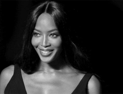 """Naomi Campbell mamma felice: buon compleanno """"Venere Nera"""""""