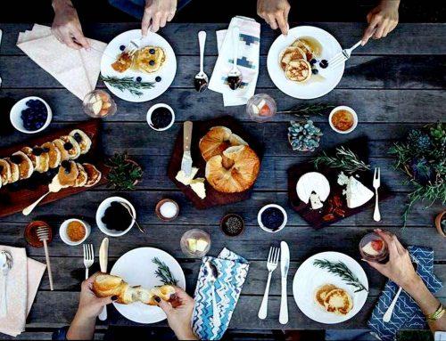 Prima colazione con gli amici: il nuovo trend della convivialità