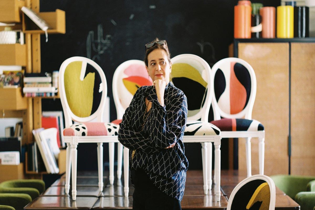 Sedia Dior medaglione Life&People Magazine LifeandPeople.it